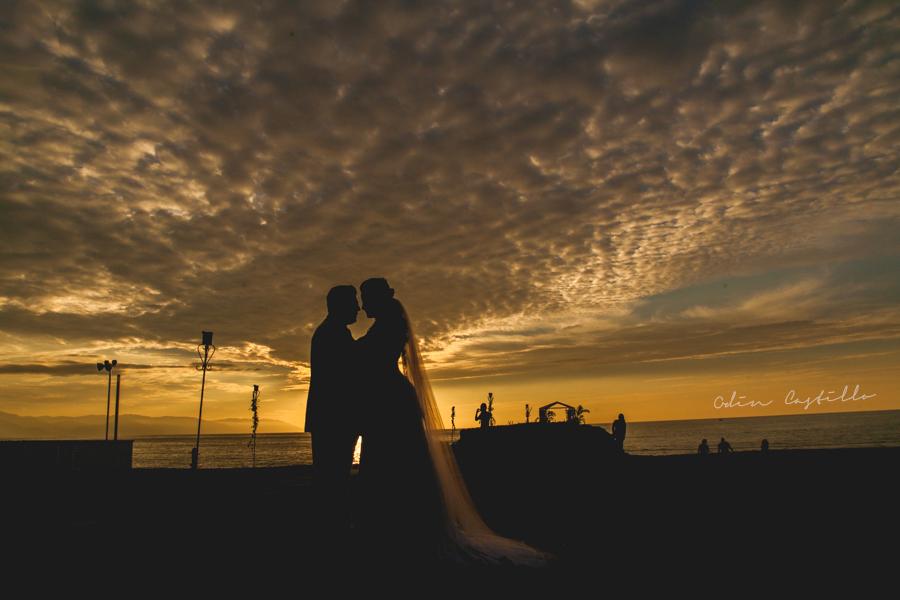 Puerto-Vallarta-Sheraton-Buganvilias-Destination-Wedding-Photos-odin-castillo-photography 15