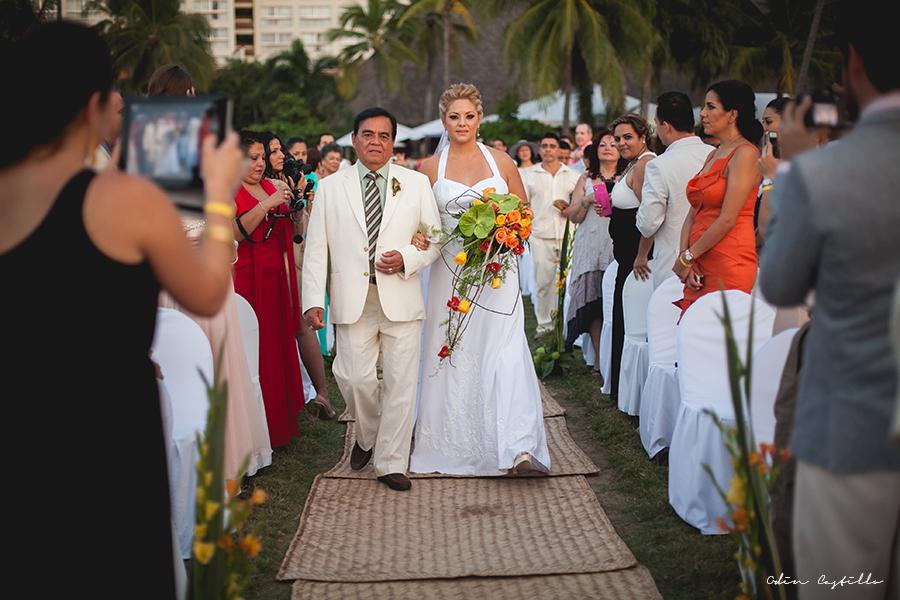 Puerto-Vallarta-Sheraton-Buganvilias-Destination-Wedding-Photos-odin-castillo-photography 18
