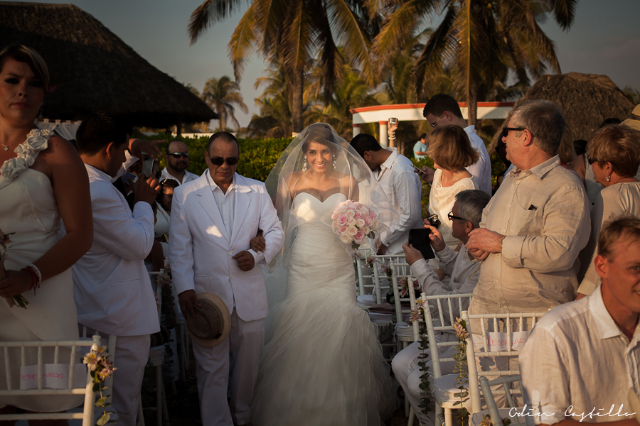 Punta-Diamante-Acapulco-odin-castillo-Destination-Wedding-Photos
