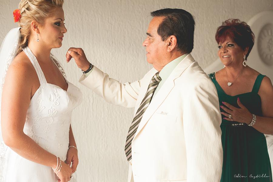 Puerto-Vallarta-Sheraton-Buganvilias-Destination-Wedding-Photos-odin-castillo-photography 12