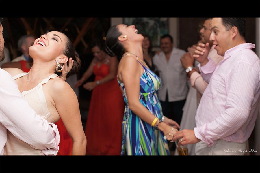 Puerto-Vallarta-Sheraton-Buganvilias-Destination-Wedding-Photos-odin-castillo-photography 28