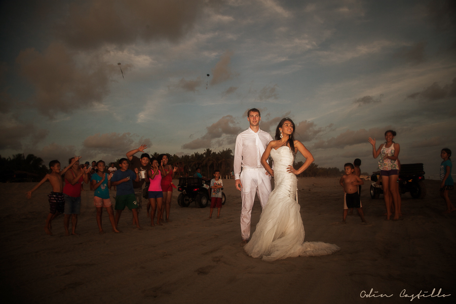 Punta-Diamante-Acapulco-odin-castillo-Destination-Wedding-Photos